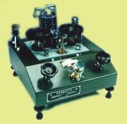YU-2雙活塞壓力計