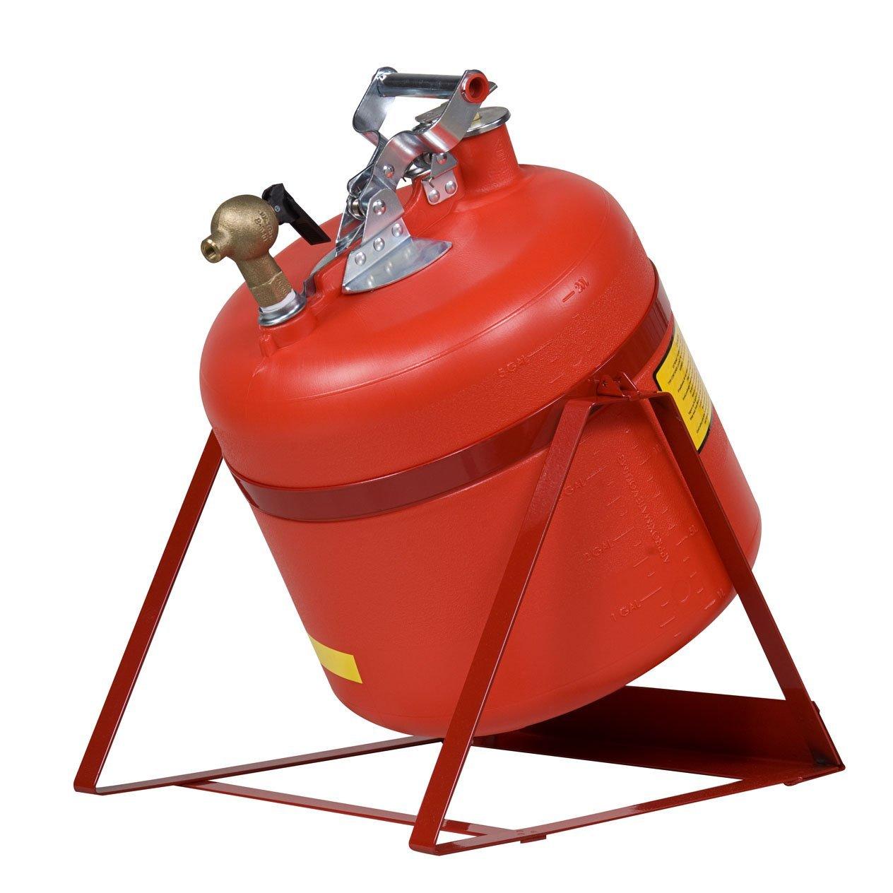 带龙头的易燃液体存储罐