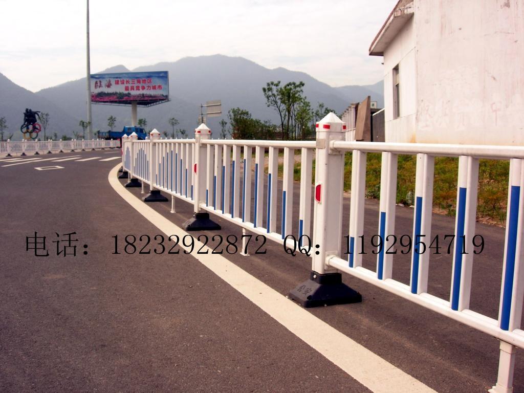 公路护栏网 铁路护拦网 机场护栏网