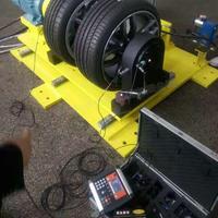 汽车轮胎现场动平衡服务