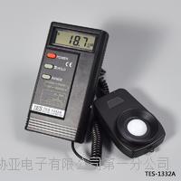 台湾泰仕数字照度计 数位式照度计 照度仪 光照计 TES-1332A