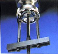 暗軸承座位拔器組件