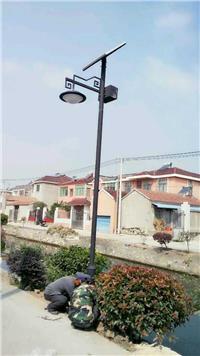 农村小路太阳能路灯