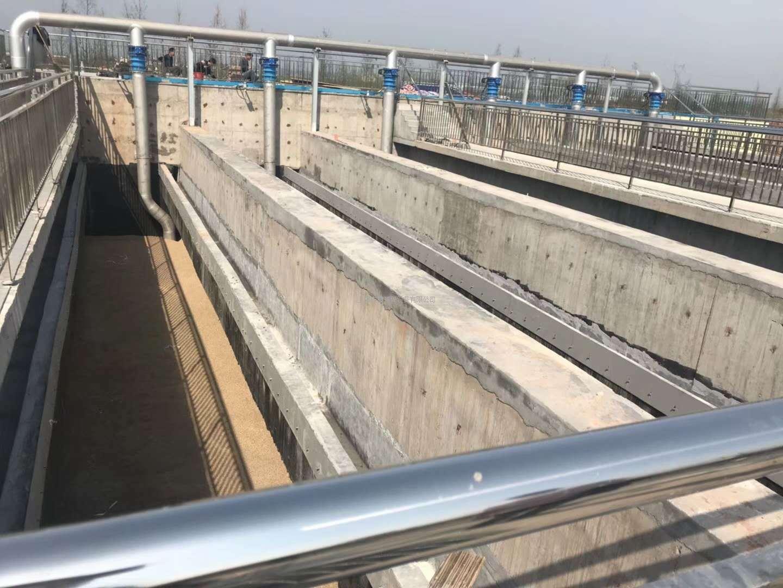 反硝化深床滤池(2.5万m/天)