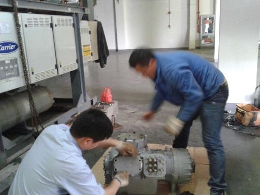 维修中央空调压缩机